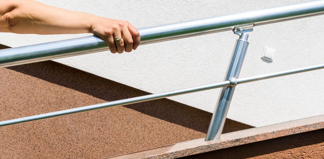 Круглые поручни для лестницы