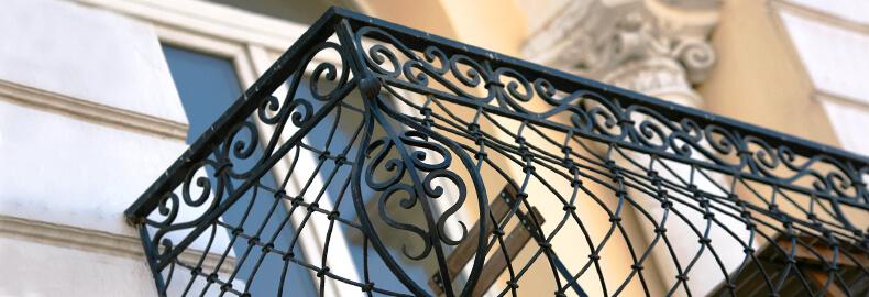 Перила и ограждения из нержавеющей стали. Перила кованые для балкона