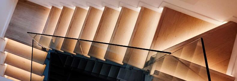 Стеклянные ограждения. Стеклянные перила для маршевых лестниц